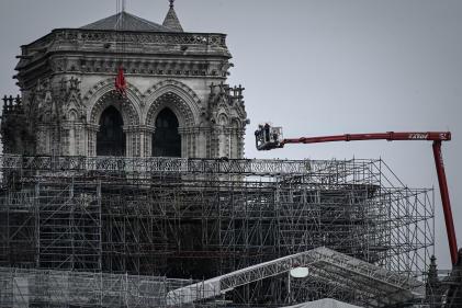 Sur le chantier de reconstruction de la cathédrale Notre-Dame-de-Paris, le 8 juin.