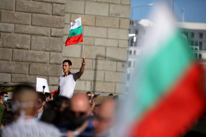 Lors d'une manifestation contre le gouvernement à Sofia, samedi 11 juillet.