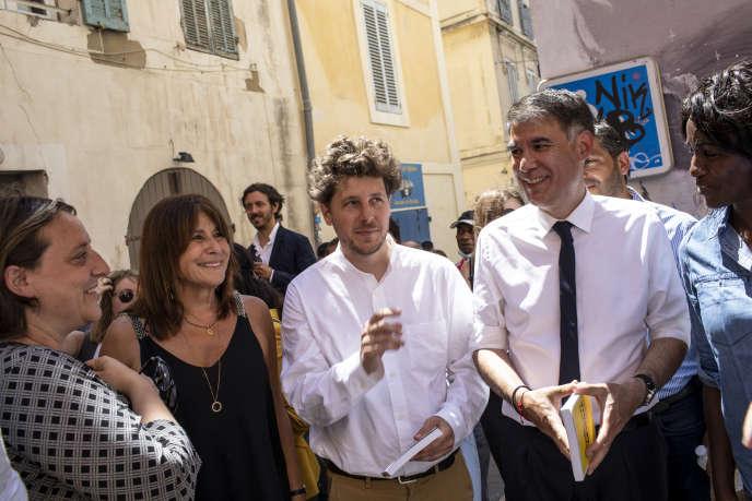 Michèle Rubirola accueille Julien Bayou et Olivier Faure avec Benoît Payan, lors de la campagne municipale, à Marseille, le 22 juin.