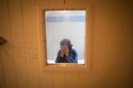 Un patient, en isolement, au centrepsychiatrique du Bois de Bondy, le 7 mai à Bondy (Seine-Saint-Denis).