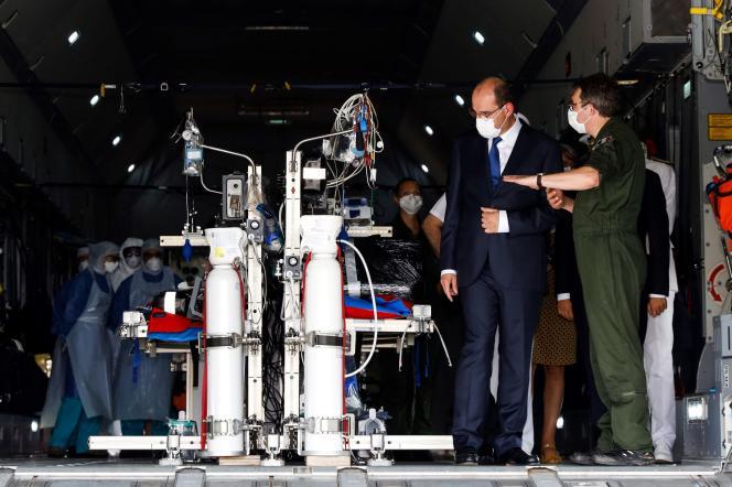 Le premier ministre, Jean Castex, visite la base aérienne 367 de Matoury, près de Cayenne, le 12juillet.