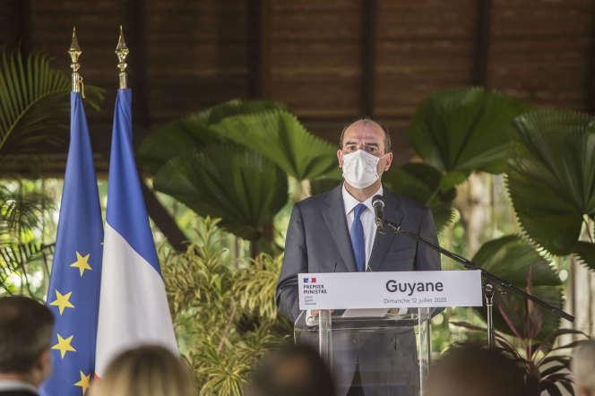 Le premier ministre, Jean Castex, à la préfecture de Cayenne, le 12juillet.