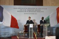 Le président de la République, Emmanuel Macron, et son homologue ivoirien, le 21 décembre 2019 à Abidjan.