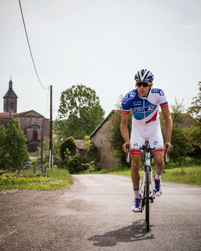 Le cycliste professionnel Thibaut Pinot, à Mélisey, son village natal, en mai 2015.