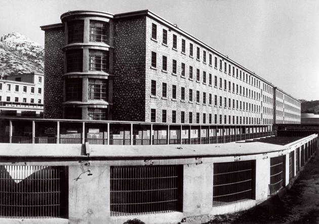 Vue extérieure de la prison des Baumettes, à Marseille, dans les années 1970, où Gabrielle Russier a été incarcérée, le 6 décembre 1968.