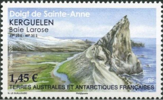 La Baie Larose, aux Kerguelen, timbre des TAAF dessiné par Noëlle Le Guillouzic paru en 2020.