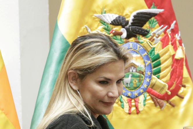 La présidente par intérim bolivienne, Jeanine Añez, lors d'une cérémonie au palais présidentiel à La Paz, le 13 mars 2020.