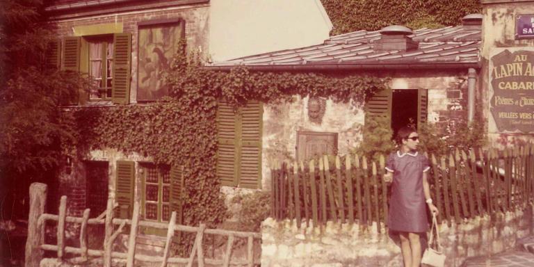 Gabrielle à Montmartre en juillet 1967, après avoir été reçue à l'agrégation de lettres modernes. Crédit: Collection privée