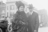 Maria Montessori avecSamuel S. McClure, aux Etats-Unis, en 1915.