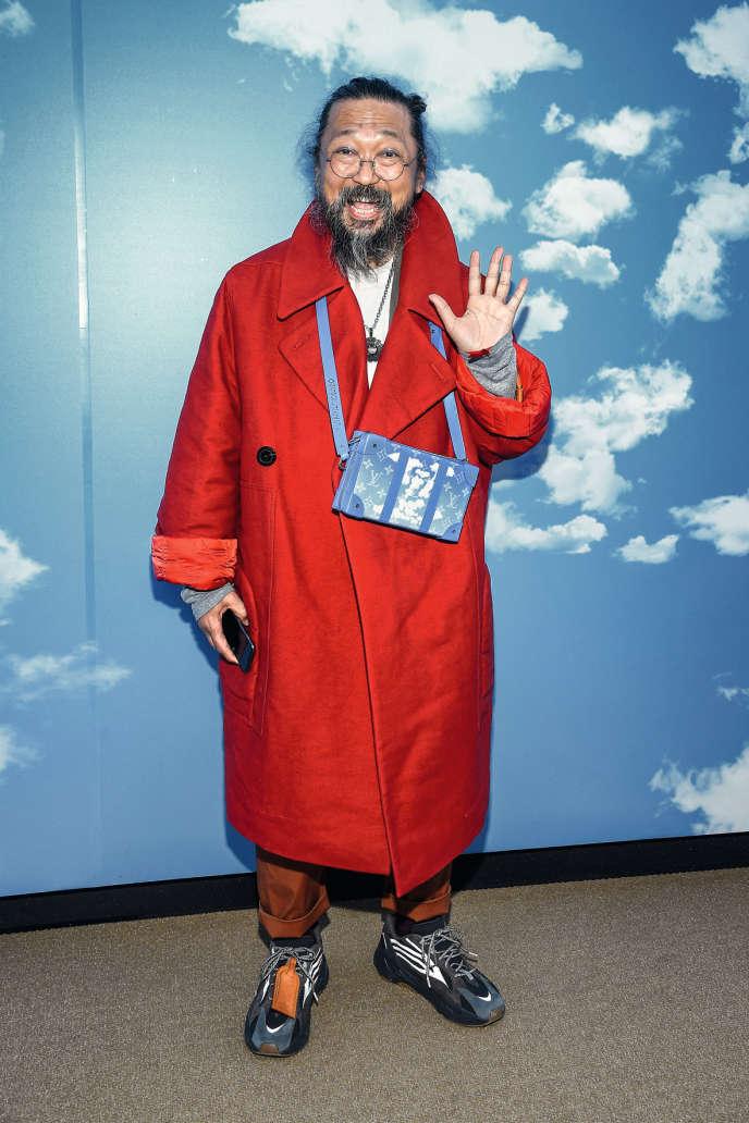 Takashi Murakami, qui a multiplié les collaborations avec la mode, au défilé Louis Vuitton, à Paris, le 16janvier 2020.