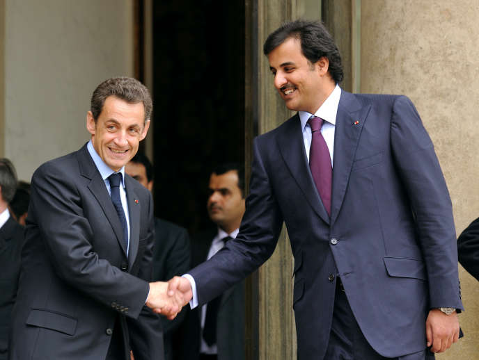 Nicolas Sarkozy et Tamim Ben Hamad Al Thani, l'émir actuel du Qatar, le 3 février à l'Elysée.