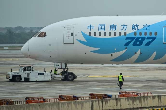 « La décision unilatérale de la partie française de réduire les vols est dommageable pour les compagnies aériennes chinoises et les populations des deux pays », a déploré, mardi, l'ambassade de Chine en France.