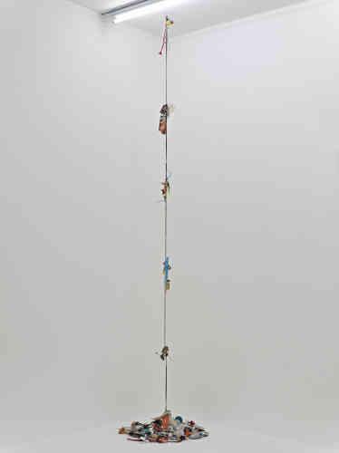 """Franck Scurti écrit :«Emblématique de ma démarche de ces dernières années, """"De la maison au studio (et vice versa)"""",commencée en 2012, est une œuvre toujours encours.»"""