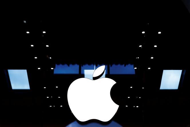 Un logo d'Apple, à Paris, le 15 juin 2020.