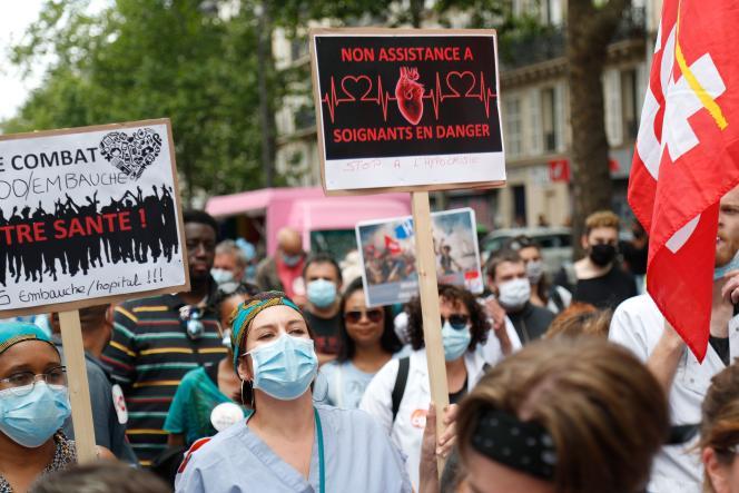 Manifestation de soignants à Paris, le 14juillet.