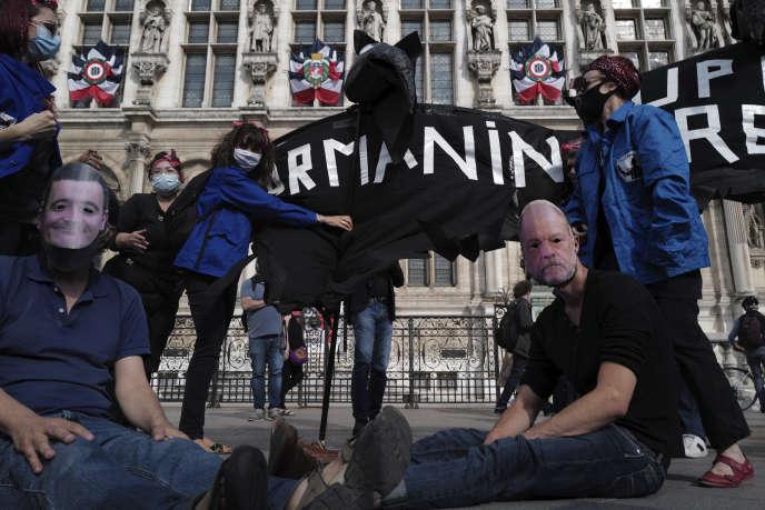 Manifestation contre la nomination de Gérald Darmanin au ministère de l'intérieur, à Paris, le 10juillet2020.