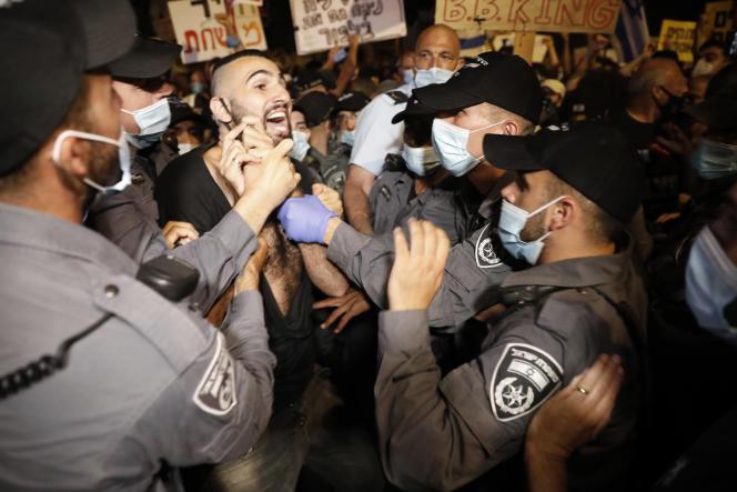Manifestation contre Benyamin Nétanyahou devant sa résidence à Jérusalem, le 14 juillet.