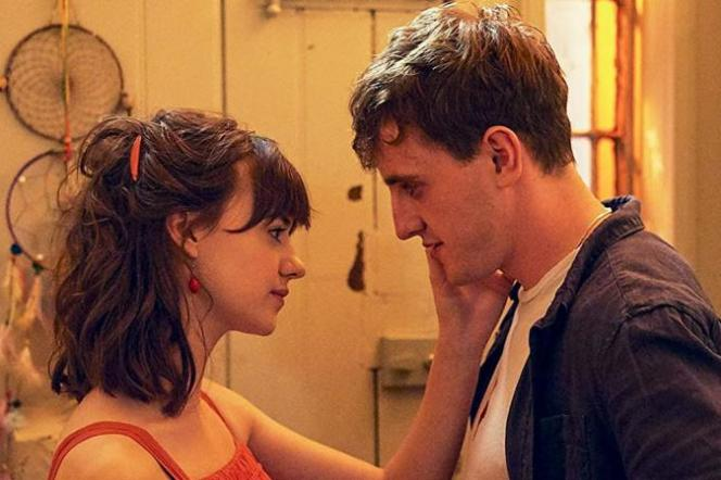 Marianne Sheridan (Daisy Edgar-Jones) et Connell Waldron (Paul Mescal), dans la série «Normal People».