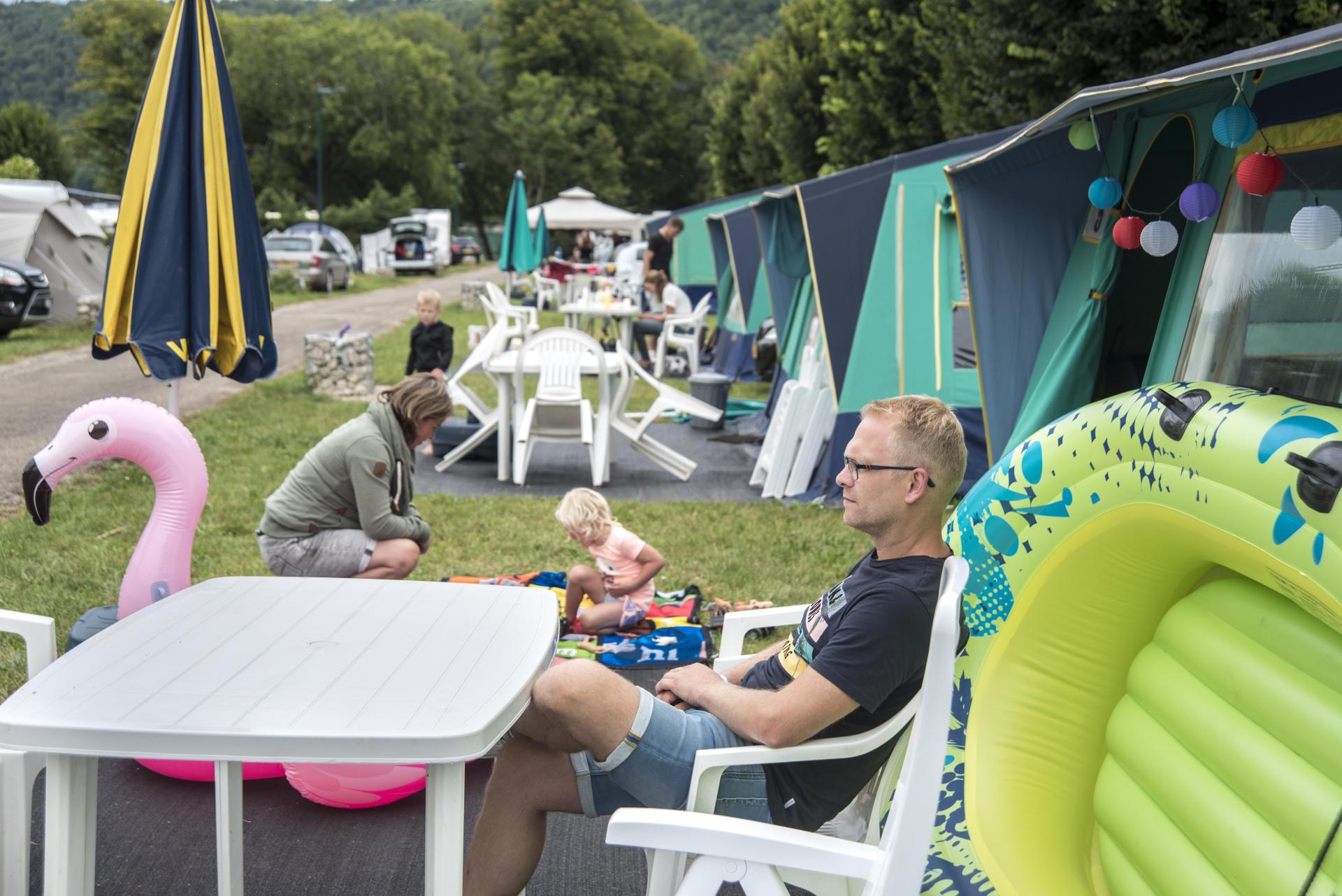 Au camping du Domaine de Chalain, dans le Jura, le 16 juillet.