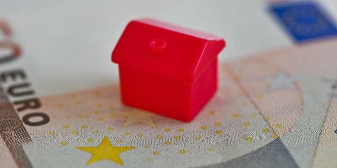La région Ile-de-France entend prendre en charge les surprimes d'assurance de certains emprunteurs « en risque aggravé de santé» à partir de fin août.