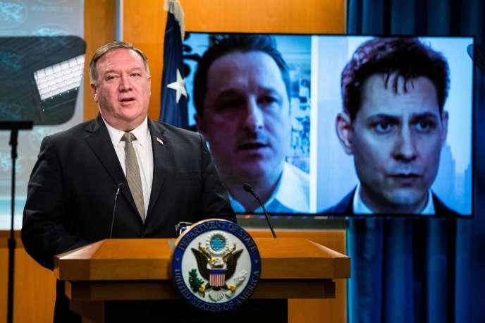 Mike Pompeo évoque les cas de deux citoyens canadiens détenus en Chine depuis 2018, lors d'une conférence de presse à Washington, le 1er juillet.