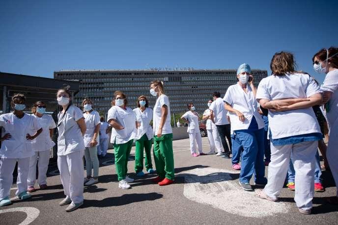Le personnel médical de l'hôpital Nord de Marseille, le 17 juillet.
