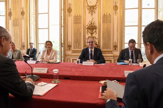 Le premier ministre, Jean Castex, lors d'une réunion avec les partenaires sociaux à l'Hôtel Matignon à Paris, le 17 juillet.