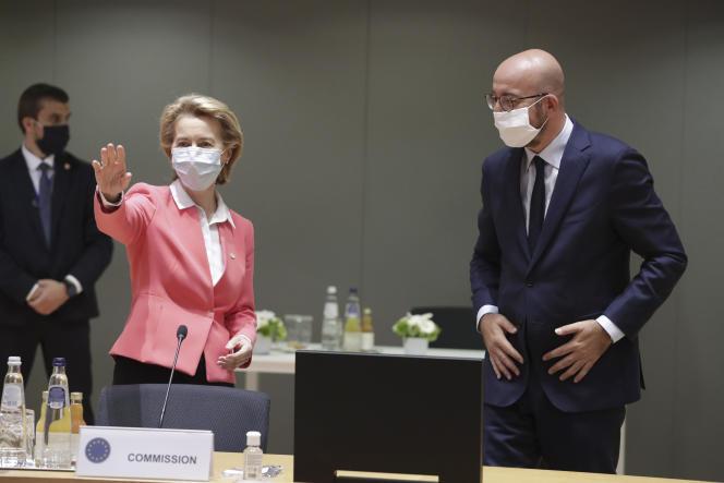 Ursula von der Leyen, présidente de la Commission européenne, et Charles Michel, président du Conseil européen, à Bruxelles, le 17 juillet.