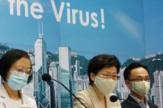 La chef de l'exécutif hongkongais, Carrie Lam, portant un masque durant une conférence de presse sur l'augmentation du nombre de contaminations au Covid-19à Hongkong, le 19 juillet 2020.