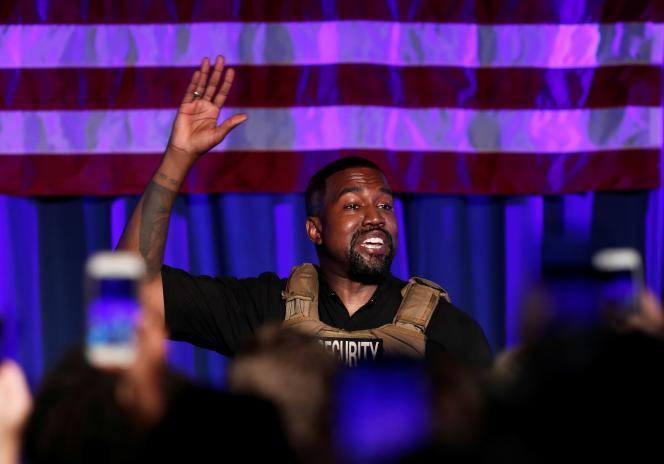 Le rappeur Kanye West, lors de son meeting de campagne à Charleston, en Caroline du Sud, le 19juillet.