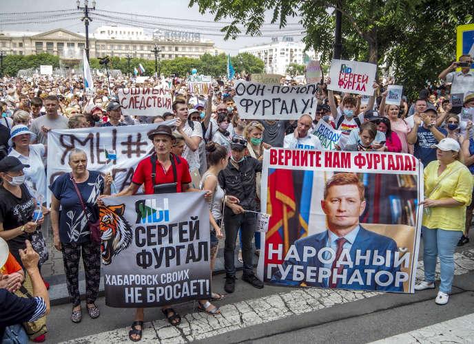 Manifestation de soutien pour le gouverneur Sergueï Fourgal, accusé de meurtre, le 18juillet àKhabarovsk (Russie).