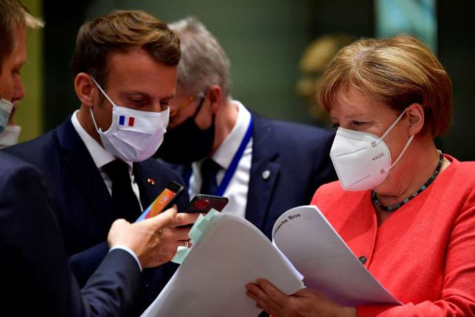 Le président Emmanuel Macron et la chancelière Angela Merkel, lors du sommet à Bruxelles, le 20 juillet.