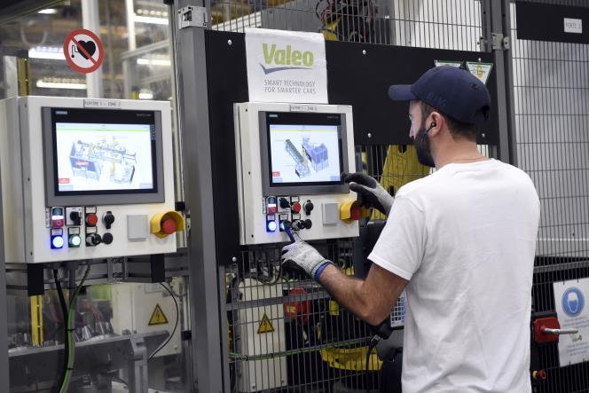 Dans l'usine Valéo d'Etaples, dans le nord de la France, en novembre 2018.