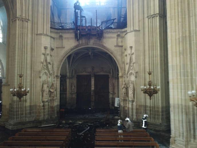 Le grand orgue de la cathédrale Saint-Pierre-et-Saint-Paul de Nantes a été emporté par le feu, samedi 18 juillet.