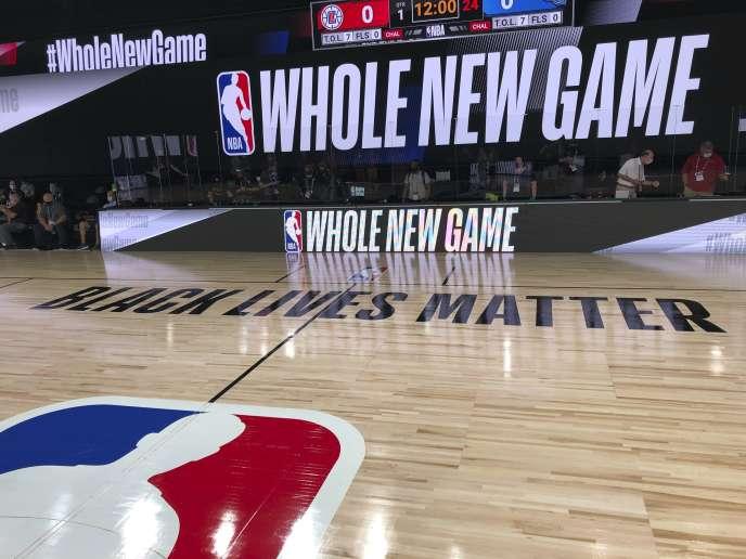 La NBA a fait écrire « Black Lives Matter» sur le parquet pour la reprise de la saison, à Orlando (Floride), à partir du 30 juillet.