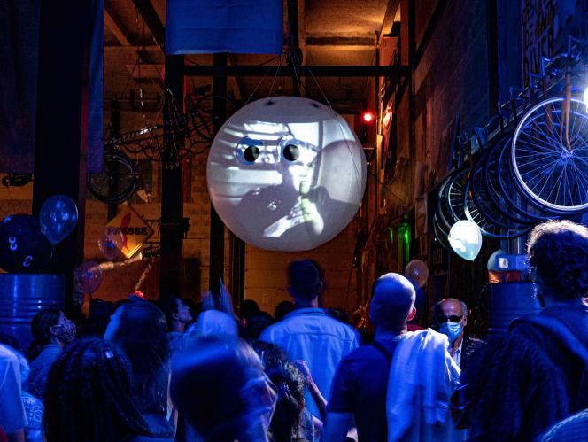 « 360 degrés»par le Générik vapeur, le 30 juin à la cité des arts de la rue, à Marseille.