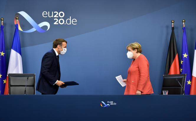 Emmanuel Macron et Angela Merkel à Bruxelles, le 21 juillet 2020.