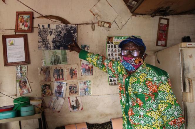 Mathieu Njassep, 81 ans, chez lui à Douala en juillet 2020.