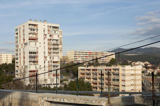 La tour de la résidence Nord (à gauche), où habitait Gabrielle Russier, à Marseille, icile 23 janvier 2010.