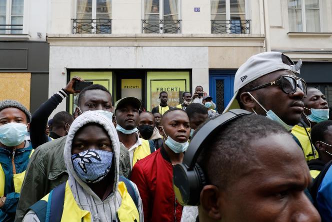 Manifestation de travailleurs Frichti, à Paris, le 8 juin.