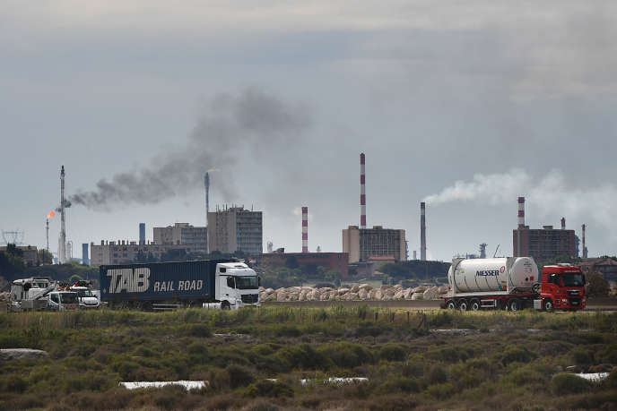 Le complexe pétrochimique de Lavera à Martigues, en 2018.