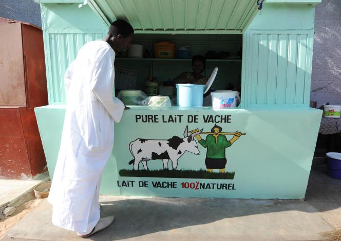 Kiosque de lait à Dakar, la capitale sénégalaise.