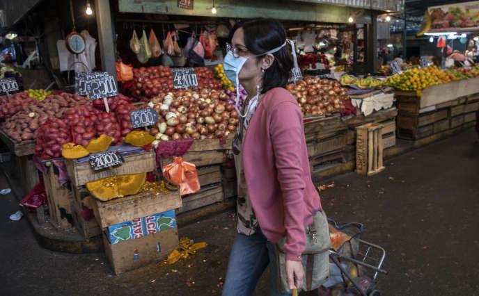 Au marché La Vega, à Recoleta, au Chili, le 6 mai.