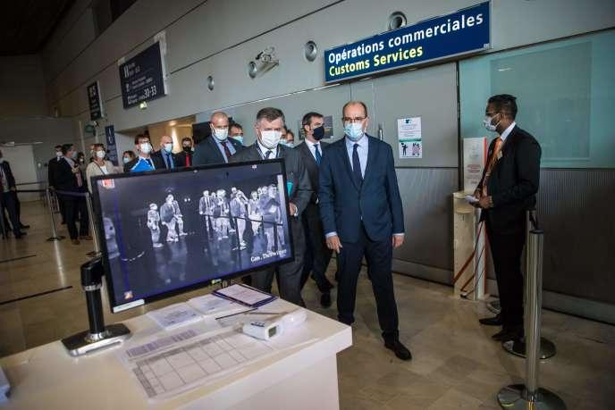 Le premier ministre Jean Castex, à l'aéroport de Roissy-Charles-de-Gaulle (Val-d'Oise), le 24 juillet.