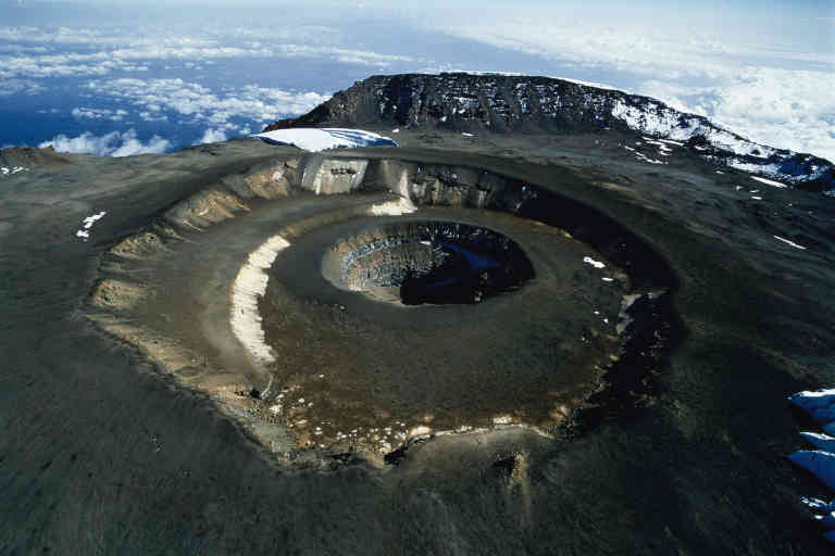 Le Kilimanjaro (alt.5963m)