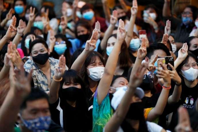 Une manifestation d'étudiants à Bangkok (Thaïlande), le 25 juillet.