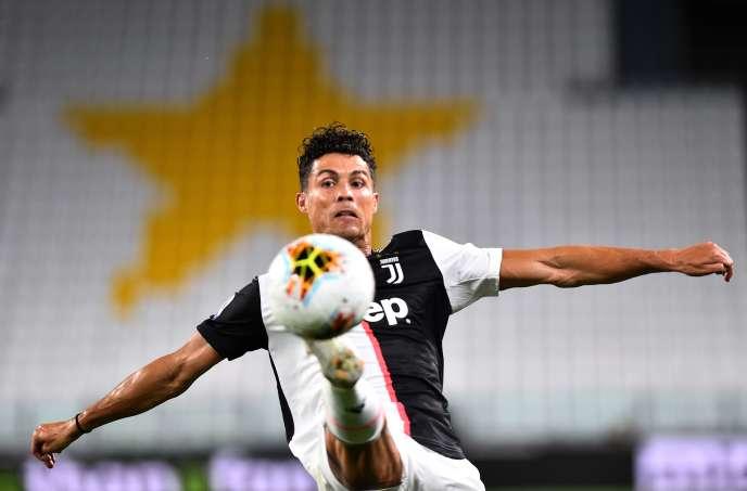 Cristiano Ronaldo a marqué un but et un pénalty pour la Juventus, le 26 juillet à Gênes.