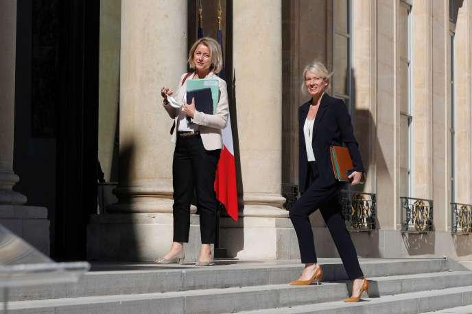 Barbara Pompili, ministre de la transition écologique, et Bérangère Abba, secrétaire d'Etat à la biodiversité, à l'Elysée, le 27juillet.