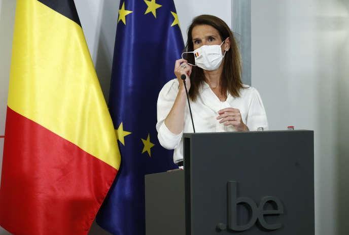 La première ministre belge, Sophie Wilmès, a dévoilé lundi 27 juilllet une nouvelle série de mesures drastiques de distanciation sociale.