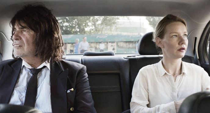 Le père Toni Erdmann (Peter Simonischek) et sa fille Inès (Sandra Hüller) dans«Toni Erdmann» (2016)de l'Allemande Maren Ade.